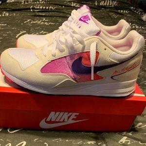 Nike Shoes - Nike air skylon